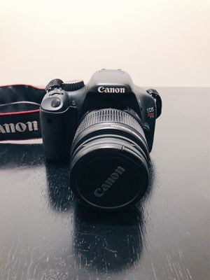 Canon Rebel t2i w/ 18-55mm & 55-250mm lenses for Sale in Los Angeles, CA