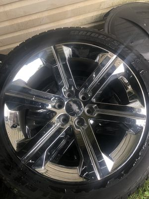 22 inch Chevy wheels an gmc in Escalade 6 lugs OEM rims 1000obo for Sale in Washington, DC