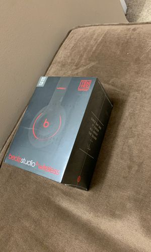 New and Used Beats wireless for Sale in Arlington Heights