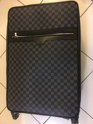 Large Louis Vuitton luggage for Sale in Brooklyn, NY