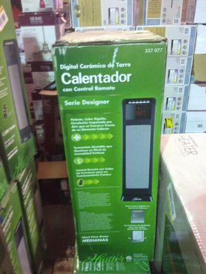 Hunter digital ceramic tower heater for Sale in Phoenix, AZ