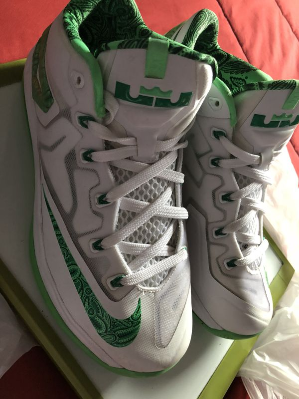 e6f8f22fe6b6 Lebron 11 Low Easter for Sale in Miami