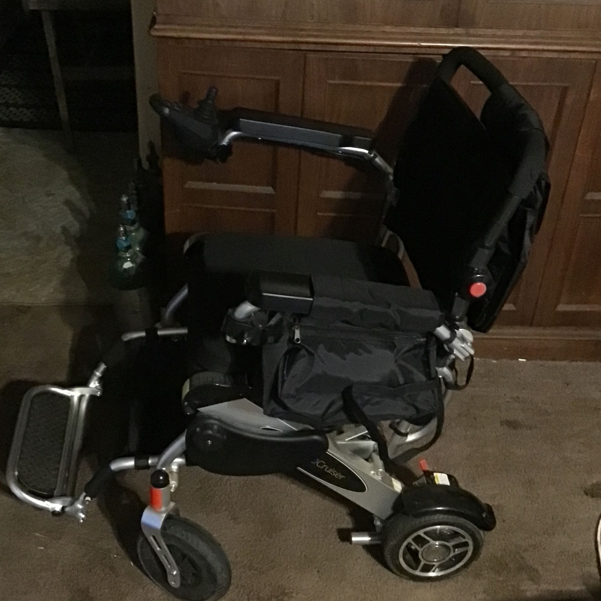 GEO CRUSIER Electric Light Weight Fold Away Easy Wheel Chair With Adjustable Speed And Sensitivity