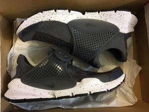 75278f00af6b New Nike sock dart se premium grey shoe men size 7 for Sale in Walnut
