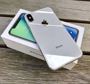 Like New! iPhone X / 64GB / Silver > > CARRIER UNLOCKED! for Sale in Washington, DC