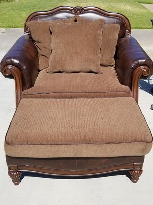 New and Used Chair for Sale in Palm Springs, CA OfferUp