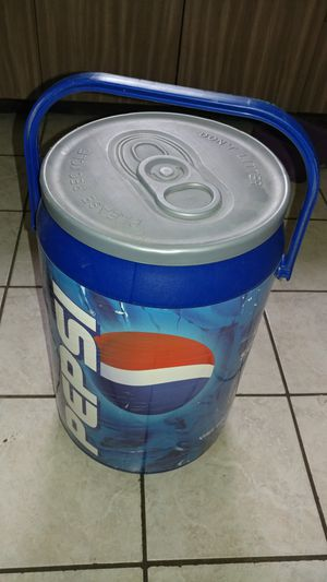 Pepsi cooler for Sale in Jeannette, PA