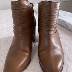 Brown Ankle Boots Thumbnail