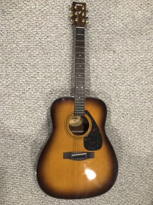 Yamaha F335 Acoustic Guitar W/ Accessories for Sale in Gainesville, VA