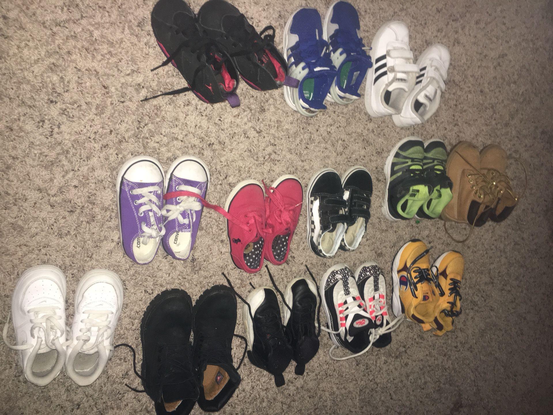 Boy tennis shoes