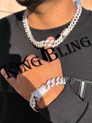 "MEN'S ICED OUT SILVER FINISH 15MM MIAMI CUBAN 18"" CHOKER LENGTH & BRACELET for Sale in Los Angeles, CA"