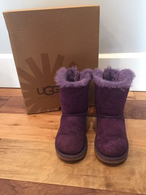 Girls Bailey Bow Uggs for Sale in St. Louis, MO