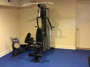 Hoist V3 weight machine with leg press for Sale in Washington, DC