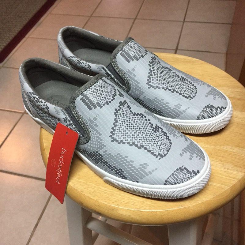 size 8.5 Bucketfeet Grey Charcoal slip-on shoes Women's