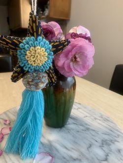Handmade star with tassel Thumbnail