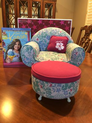 American girl doll Kanani's lounge chair with ottoman & book. Original box. Like new! for Sale in Riverside, CA