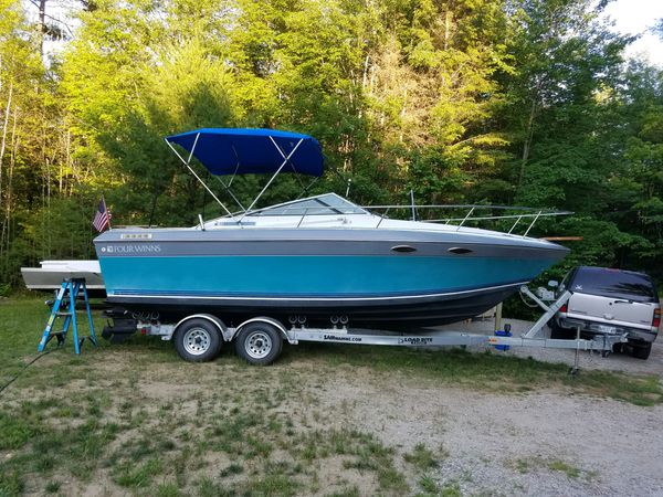 24 foot 1989 four winns 235 sundowner