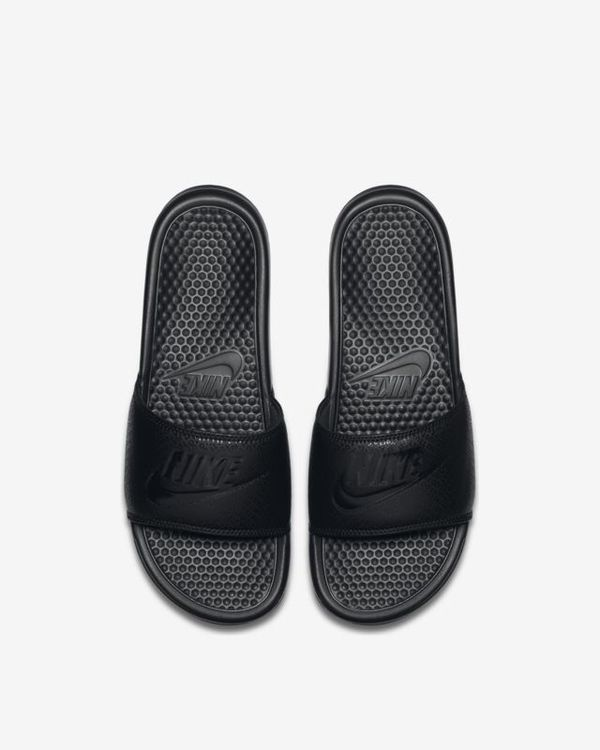 check out a583b e15cf Nike Slippers for Sale in Los Angeles, CA - OfferUp