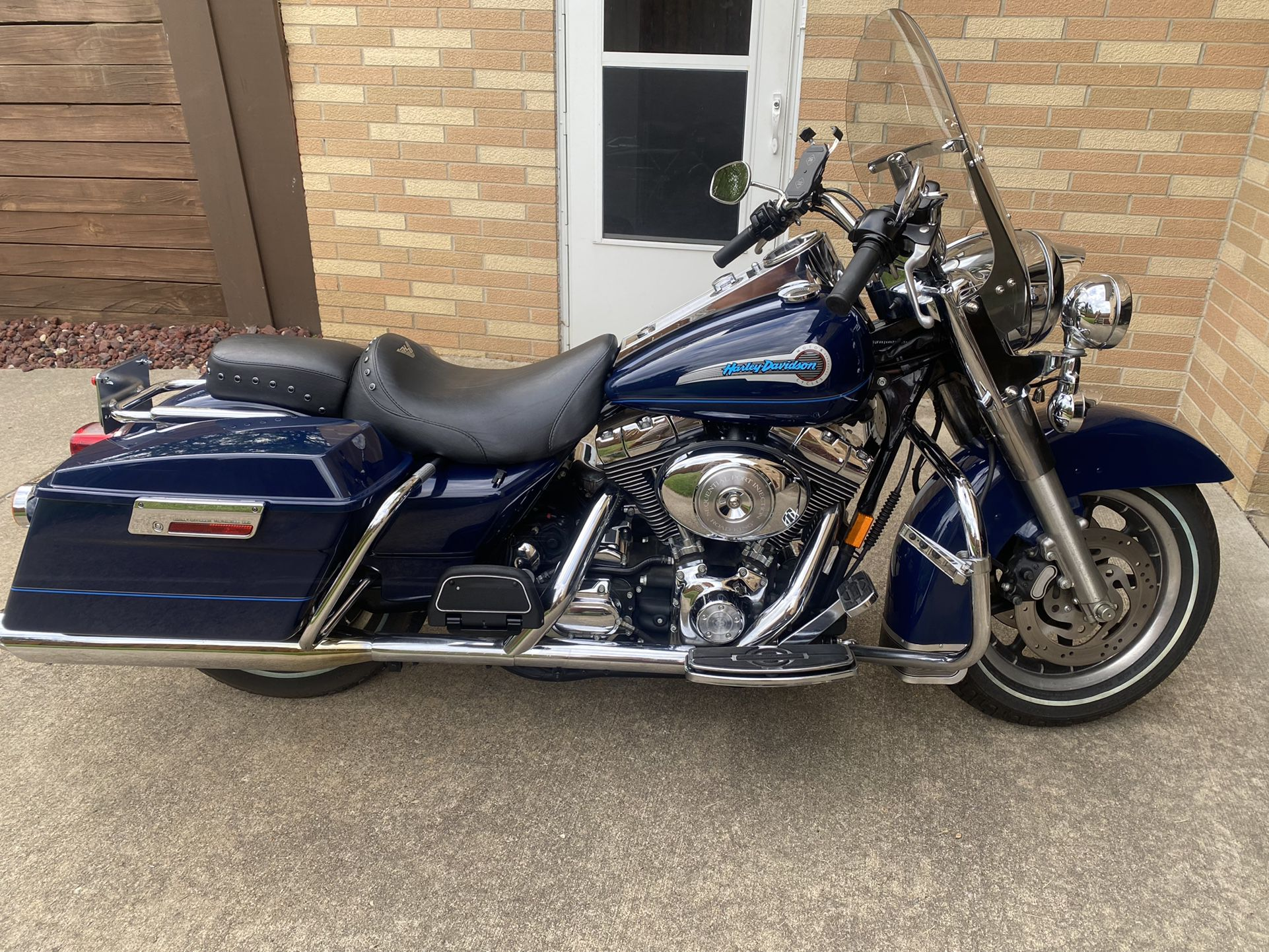 Photo 2004 Harley Davidson peace officers Road King Special Edition