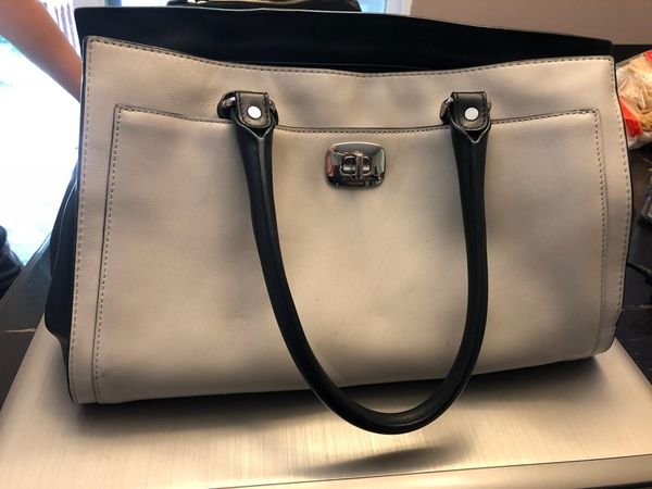 c54609bd3edc Black and Cream leather Coach purse for Sale in Simpsonville