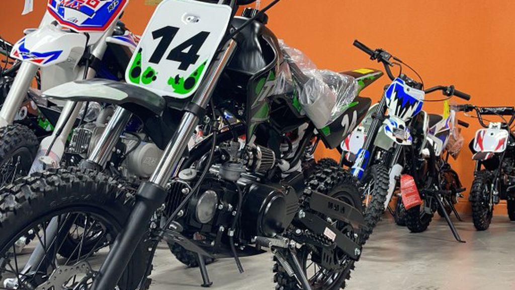 Photo Brand New Db 14 specials 110cc Dirt Bike For Sale