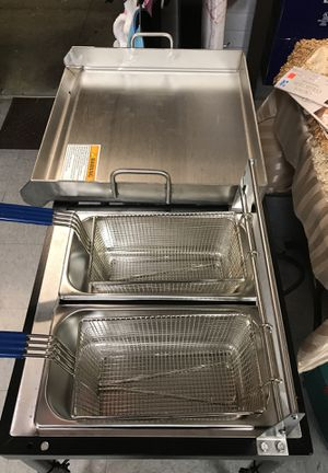 Deep Fryer and gas grill for Sale in Takoma Park, MD