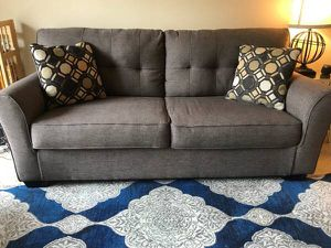 Grey Loveseat Sofa (EXCELLENT CONDITION) for Sale in Herndon, VA