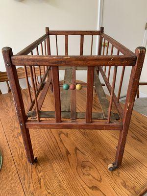 Photo Antique Baby Play Crib