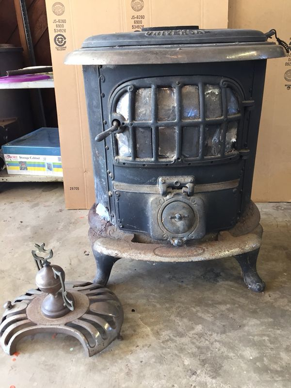 Vintage Antique Cast Iron Universal Palace Parlor Wood Coal Stove for Sale  in Puyallup, WA - OfferUp