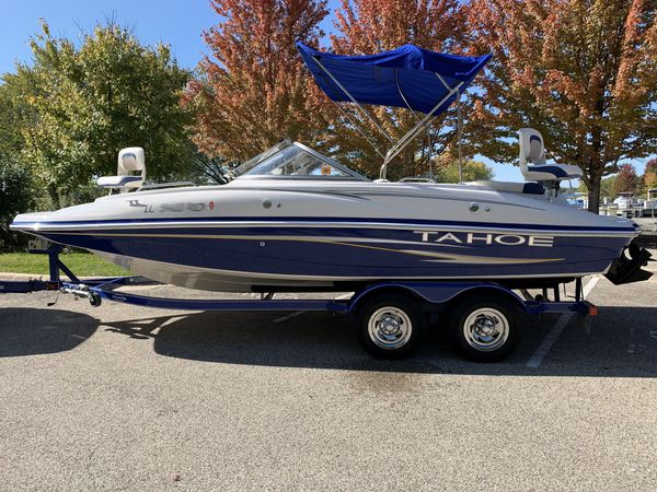2007 tahoe 216 deck boat / fishing