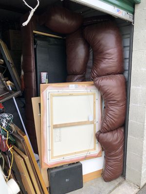 Free couch!! Leather hid-abed for Sale in Auburn, WA