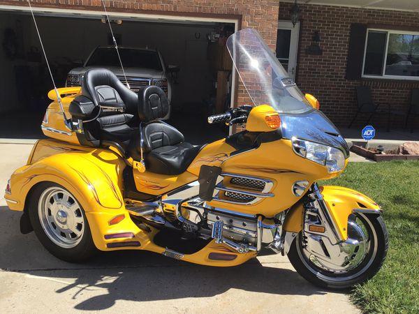 2001 honda goldwing 1800 cc.