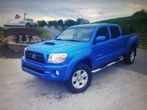 Toyota Tacoma 2006 4WD Runs good, no Mechanical Issues!This Ad is for My Mother please Email Her :• katherineosborn6 @ G M A I L.COM for Sale in Frederick, MD