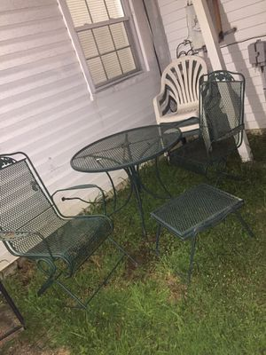 Green patio outdoor furniture metal table with four chairs for Sale in Landover, MD
