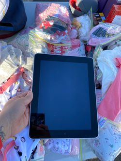 Ipad 16gb (one of the second models) Thumbnail