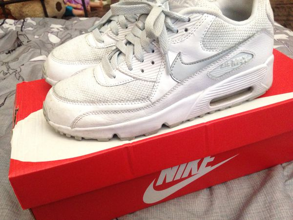 finest selection 3f049 2403a Nike air max size 6.5 youth women s size 7.5-8 (Clothing   Shoes) in San  Diego, CA - OfferUp