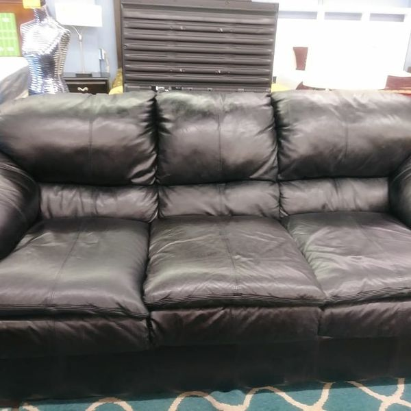 Black leather sofa for Sale in Tampa, FL - OfferUp