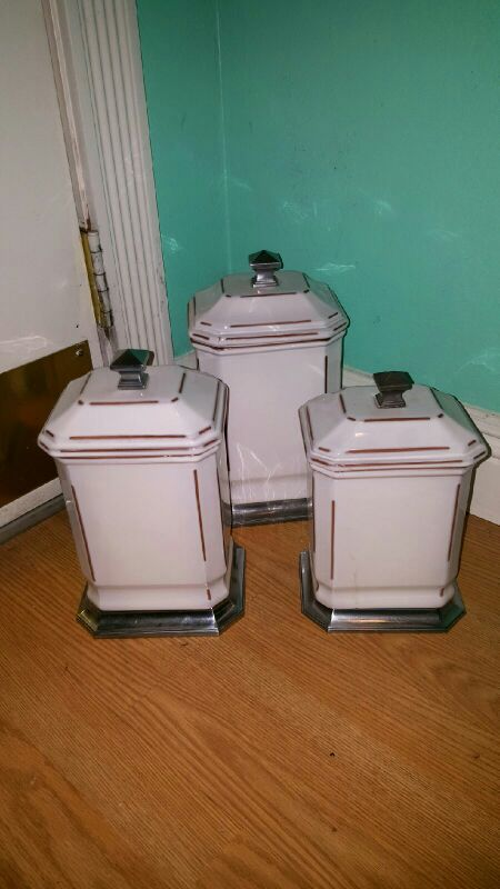 Beautiful white cannister set...like new!