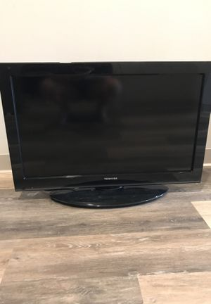 32' TV for Sale in St. Louis, MO