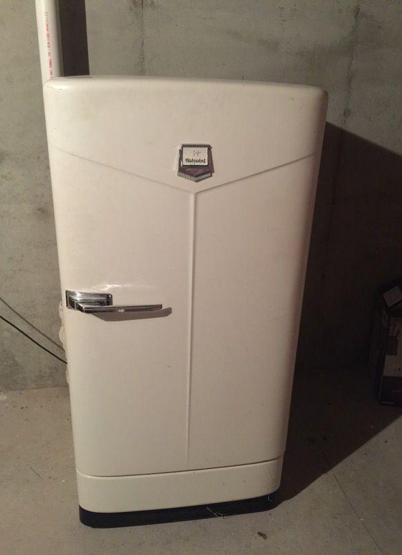 Vintage Hotpoint Refrigerator Freezer