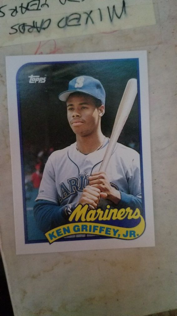 89 Topps Ken Griffey Jr Rookie Card For Sale In Reynoldsburg Oh Offerup