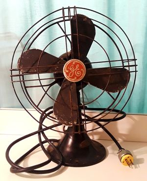 "VINTAGE 1940s 12"" GE ART DECO 2 SPEED OSCILLATING FAN SHARP BLACK RUNS NICELY!! for Sale in Cleveland, OH"