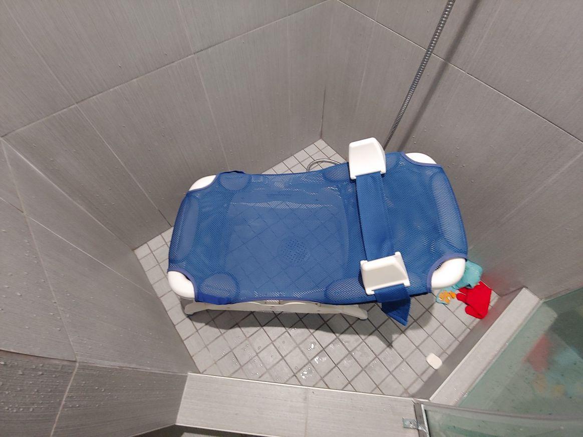 Custom child shower chair