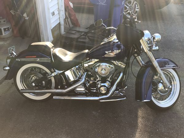 2006 hd softtail deluxe. 18k miles. fully serviced. great shape.