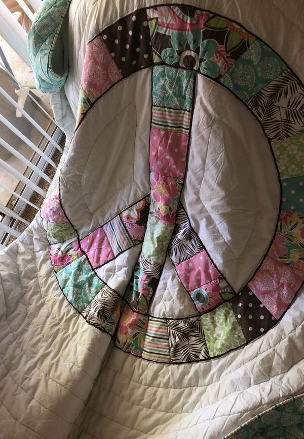 Full Pottery Barn quilt shams and pillow for Sale in Phoenix, AZ ...