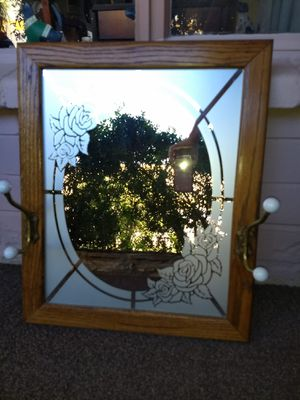 Antique Looking Mirror for Sale in Phoenix, AZ