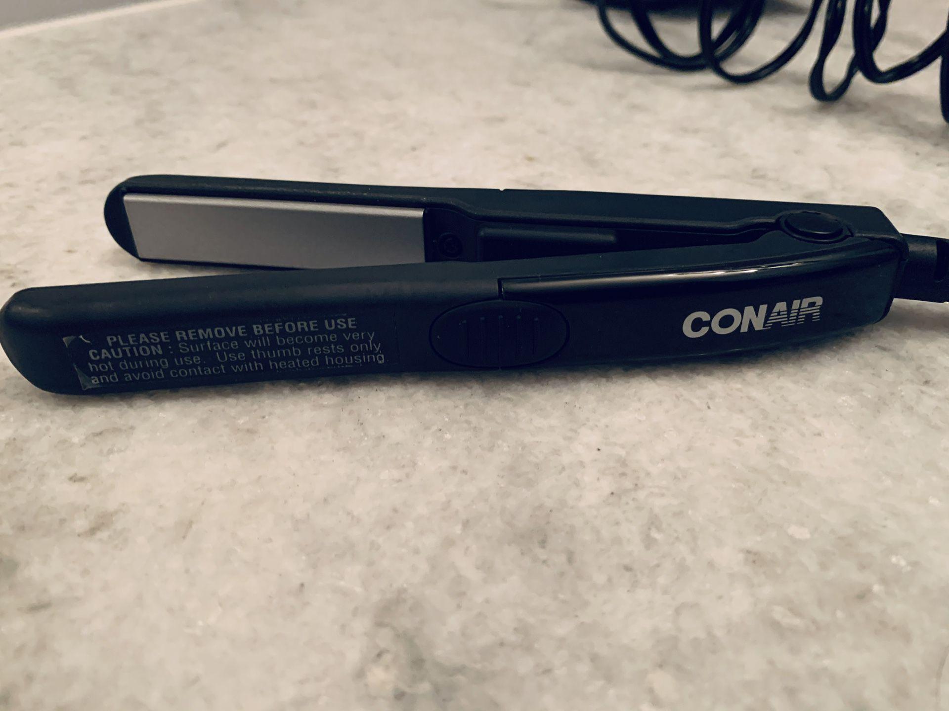 Conair MiniPro 1/2 Inch Ceramic Flat Iron