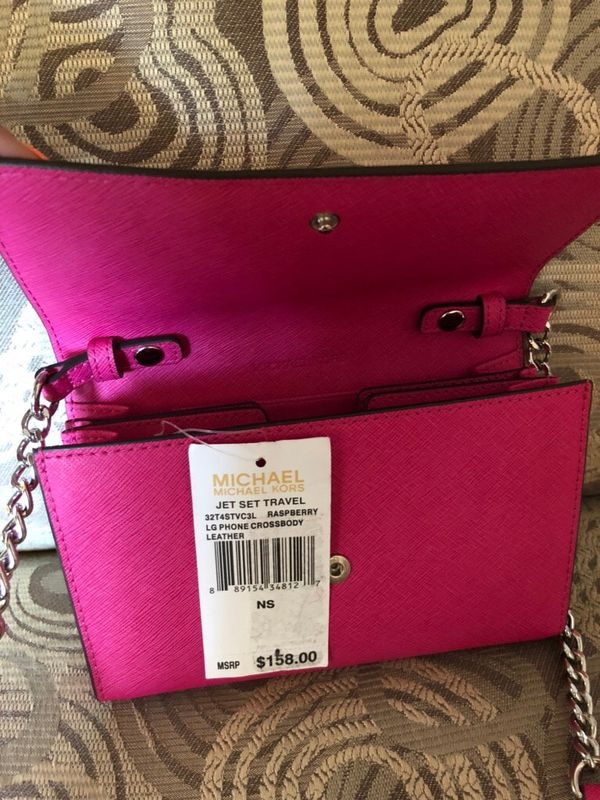 9cc9159a3e10 Raspberry Michael Kors Purse! for Sale in Cincinnati