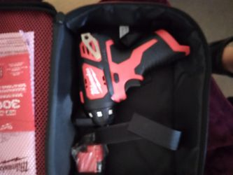Milwaukee 12Volt Screwdriver Kit With 2 Batteries And Charger  Thumbnail