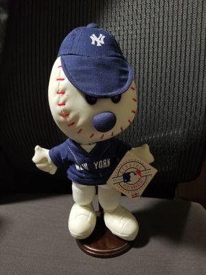 N.Y YANKEES TEAM MASCOT BASEBALL HEAD W/STAND for Sale in Dale City, VA